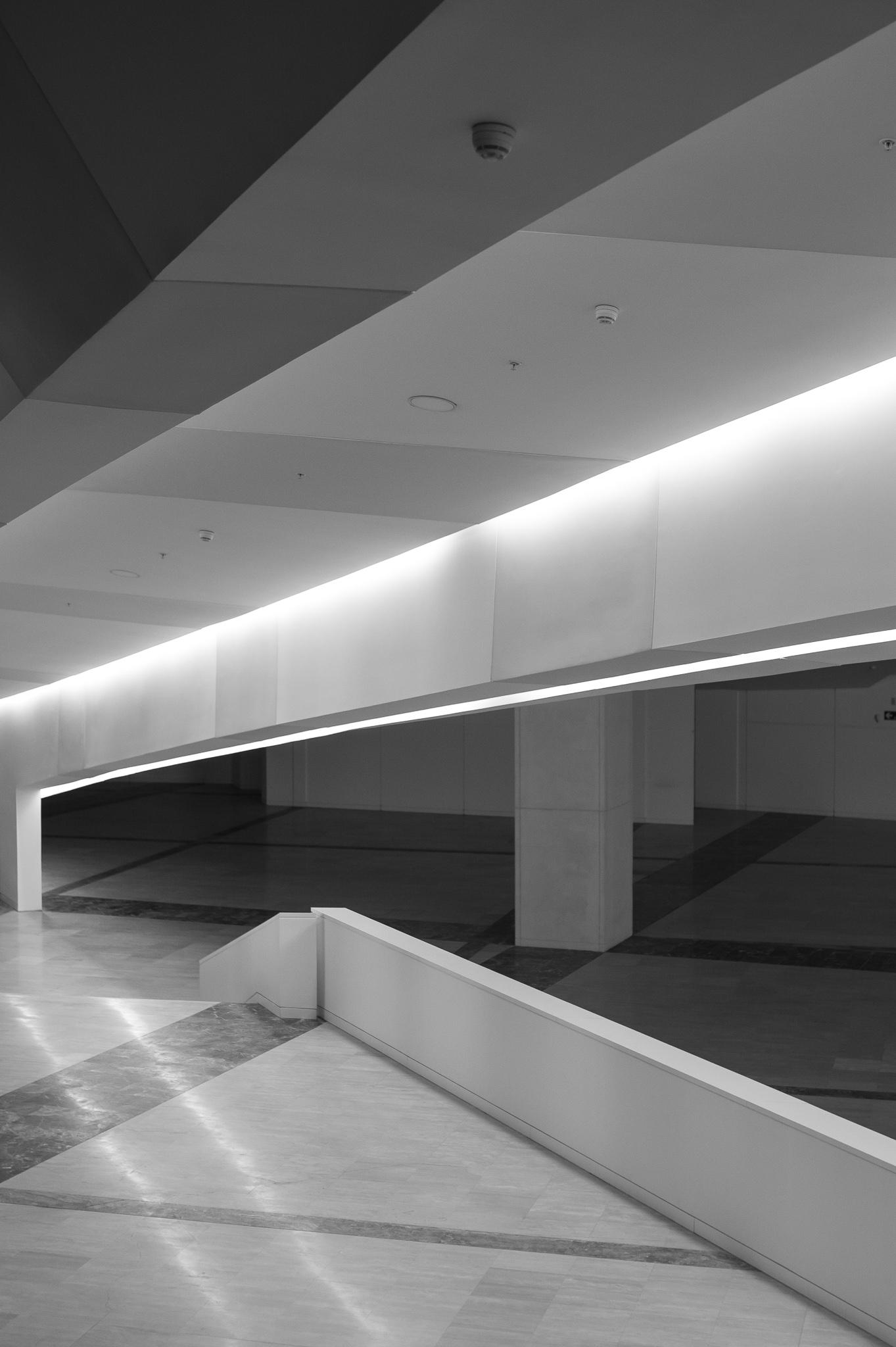 <p>La Ciudad de la Cultura es un proyecto diseñado por el arquitecto estadounidense Peter Eisenman en 1999. <br><br> El complejo arquitectónico, que cuenta con cuatro de los seis edificios proyectados, se erige sobre el Monte Gaiás en las proximidades de Compostela. </p>