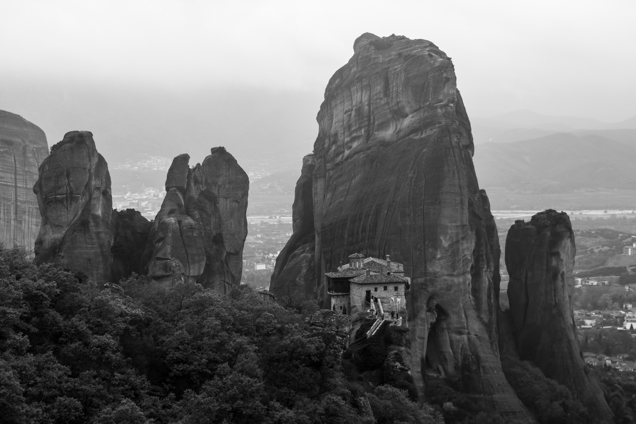 "The Meteora Monasteries or Meteors are located in the Thessaly Plain, near the town of Kalambaka, ""suspended in the sky"" over sandstone cliffs. <br>Founded by the hermit Athanasios, classified in 1988 as a World Heritage Site, this group of twenty-four monastic centers, dating from the 14th century, contemplates the passage of time from its heavenly height."