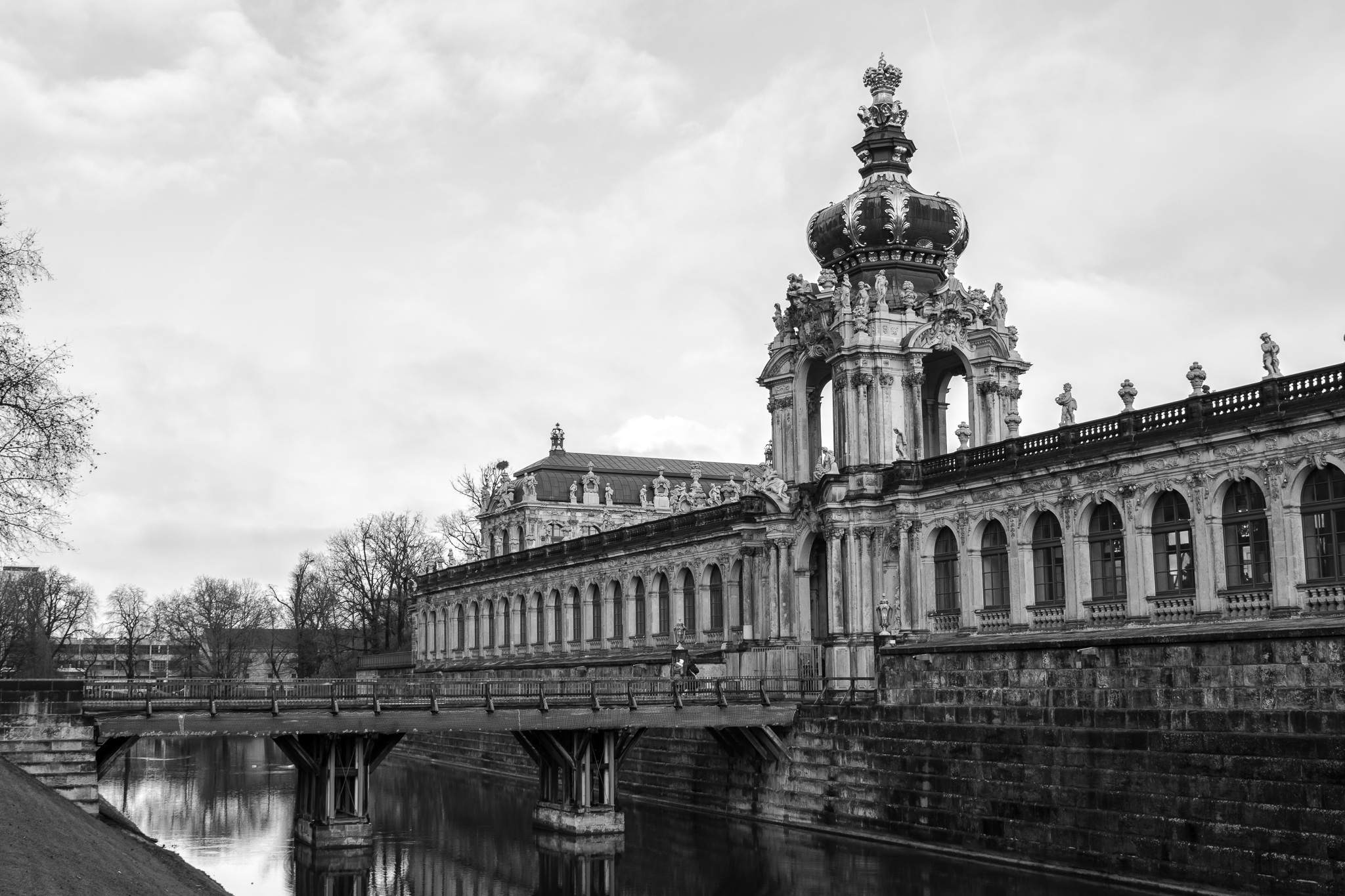 Located on the banks of the Elbe, the Dresden Palace is one of the oldest buildings in the Saxon city. <br>It has been the residence of kings before it was almost destroyed during the bombing of Dresden in 1945 during World War II.