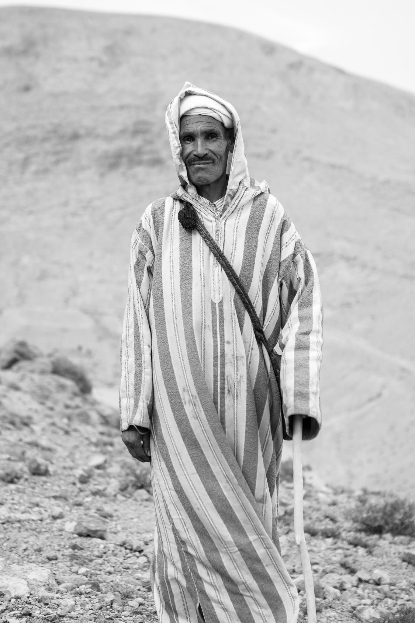 The Amazigh father of the nomadic families is mainly engaged in grazing and tending the family herd, which is their main source of food and can reach over a thousand sheep, goats and even camels. <br> After a year the nomads will exchange the work with one of their brothers.